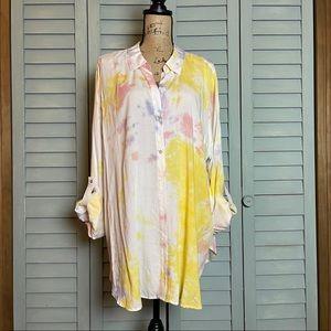 Como Vintage Woman Tie-Dye Button-Down Blouse